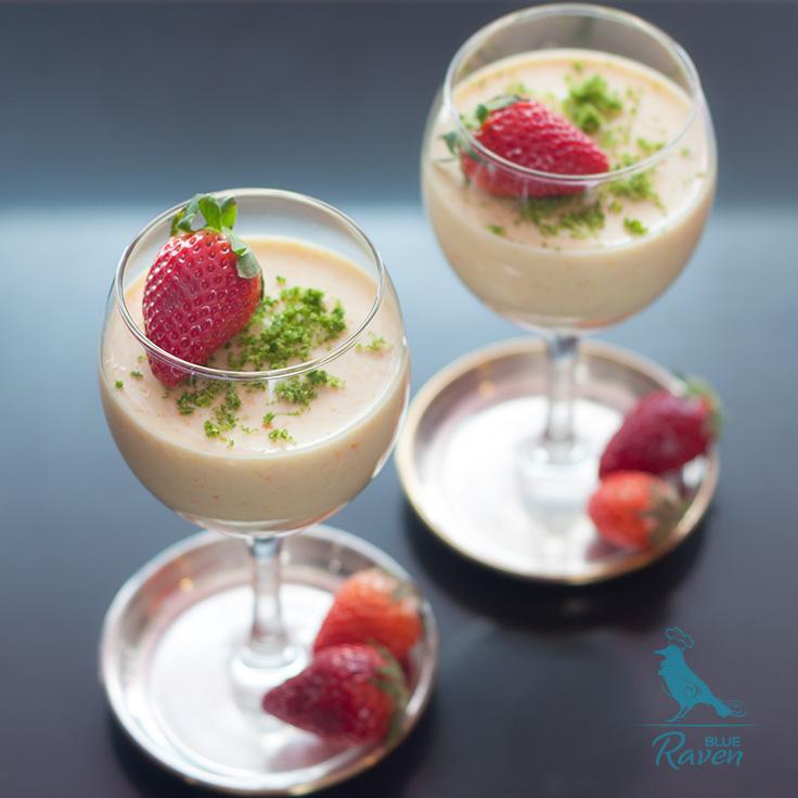 Skinny yogurt and orange mousse. With agar. No eggs, no cream.