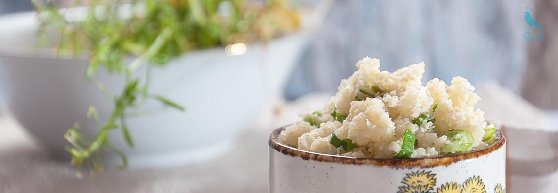Cauliflower rice wit green onions. #vegan #vegetarian #paleo