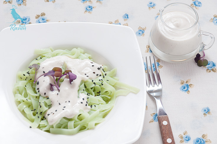 Green pasta with roasted garlic and cashew sauce. #vegan #glutenfree #pasta #vegetarian