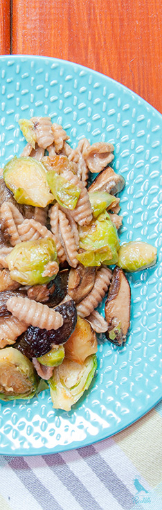 Pasta with forest mushrooms and brussel sprouts. #vegan #vegetarian #pasta #mushrooms