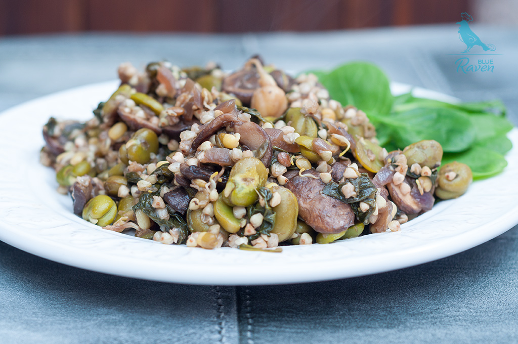 Buckwheat with fava beans and button mushrooms #glutenfree #vegan #buckwheat