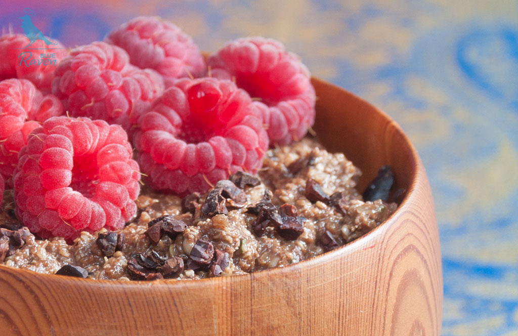 Overnight porridge – quinoa flakes and hemp hearts #vegan #gluten-free #quinoa #carob #hemp-hearts