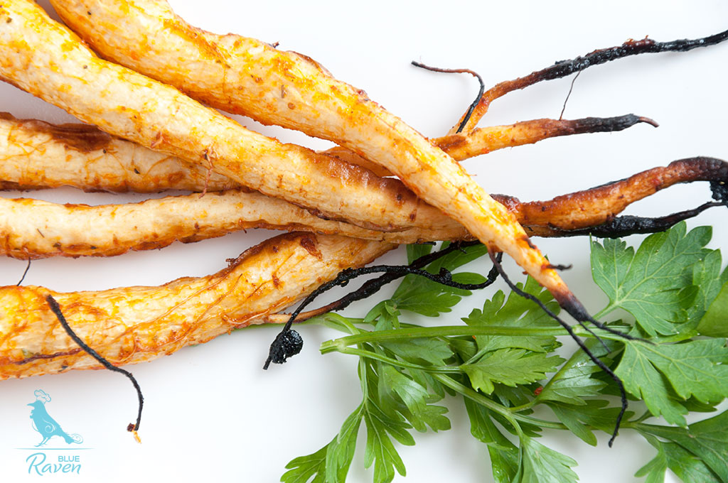 Baked parsley roots glazed with sriracha sauce #vegan #gluten-free #sriracha #chili-sauce