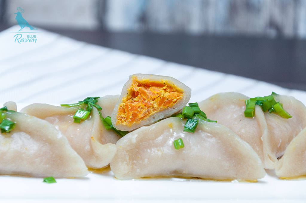 Perogi with carrot and tofu stuffing #vegan #carrot #tofu #dumplings #pierogi