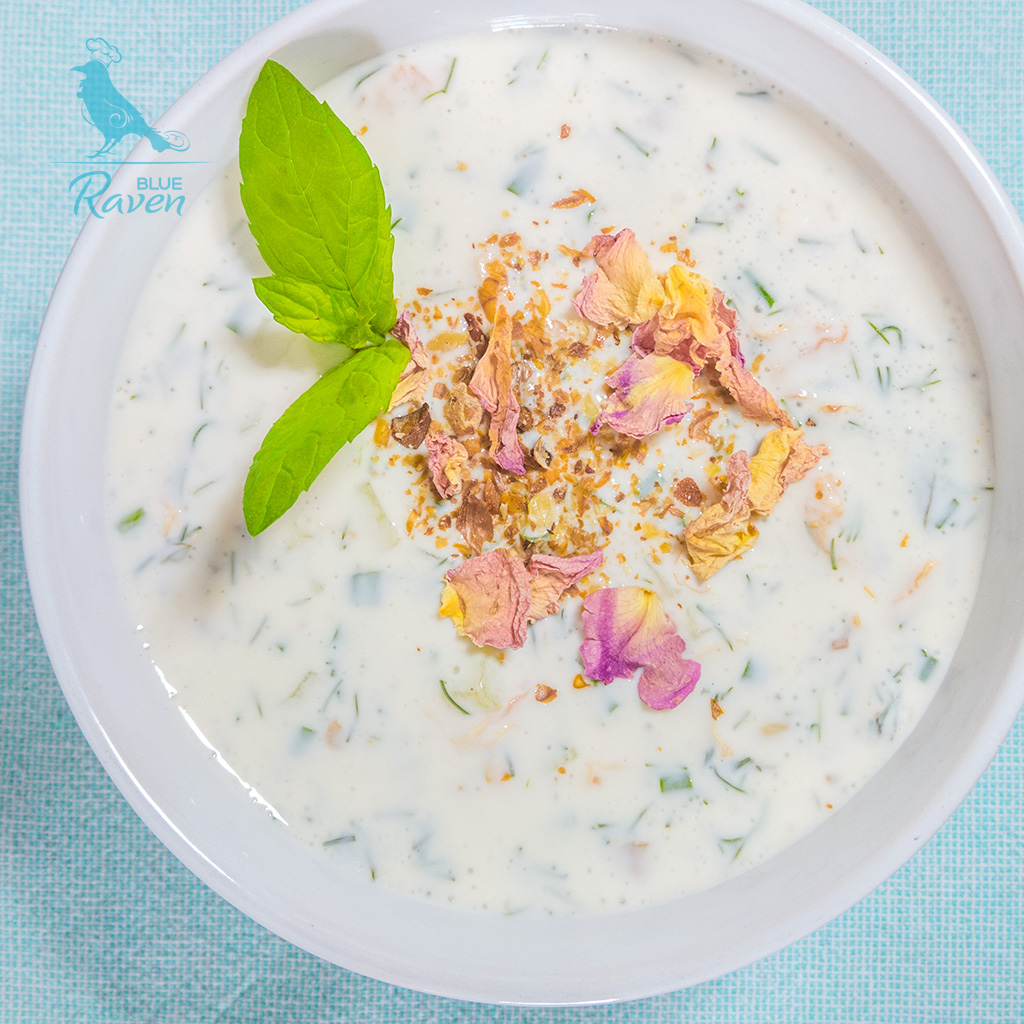 Oriental chilled soup with rose petals and mint #vegan #rosepetals #soup #summer
